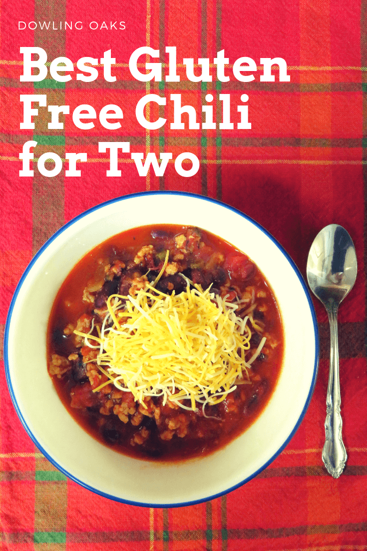 As a new empty nester, I had trouble with small batch recipes. I hit the jackpot with this easy gluten free chili recipe for two people. It's healthy comfort food at its finest. #weeknightdinners #glutenfreecomfortfood #dowlingoaks